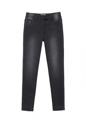 Pantalon cerrado tejano basic de Mayoral para niña modelo 578