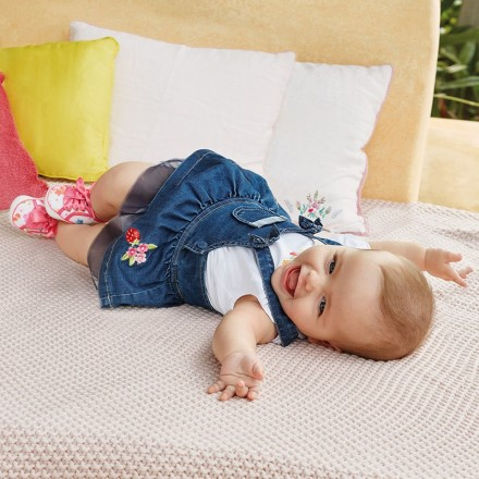Conjunto MAYORAL bebe niña falda peto tejana