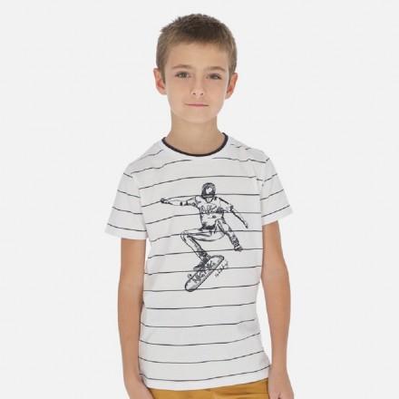 Camiseta manga corta rayas bordados de MAYORAL para niño modelo 6057
